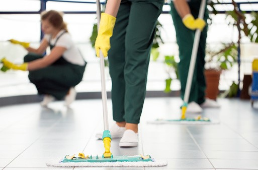 Hire professional house cleaning services